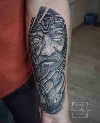 Taw Anastasya Tattoo Viking